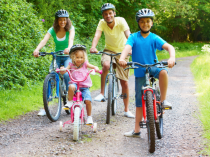 7 Ways Families Can Work Out Together this Summer